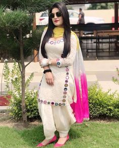 Photo by ❤️🙏 SwAgEr PuNjAbAn 🙏❤️ on September Image may contain: one or more people, people standing, sunglasses and outdoor Punjabi Suit Neck Designs, Patiala Suit Designs, Neck Designs For Suits, Dress Neck Designs, Kurta Designs, Stylish Dress Designs, Designs For Dresses, Stylish Dresses, Kaur B Suits