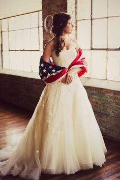 In honor of of July, we're sharing some of our favorite patriotic wedding inspiration shots! Head to the site to see them all. Army Wedding, Dream Wedding, Navy Military Weddings, Wedding Navy, Wedding Country, Fantasy Wedding, Perfect Wedding, Fall Wedding, Wedding Poses