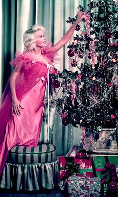 Jane Mansfield....can we just go back in time? christmas looked so much more magical back then.