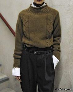 Выглядит так нарочито-ботански, что даже мило. ... но вытянутость штанов меня малость пугает. Хотя, по идее, в этом суть.
