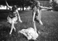 Happy girlfriends enjoying a picnic 20s