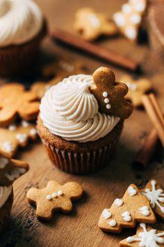 Winter Cupcakes, Christmas Cupcakes, Christmas Desserts, Christmas Treats, Christmas Baking, Fun Cupcakes, Christmas Recipes, Cupcake Recipes, Baking Recipes