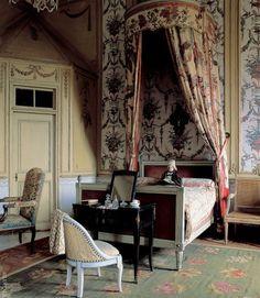 Decor Design Review - Chateau de Barbantan.