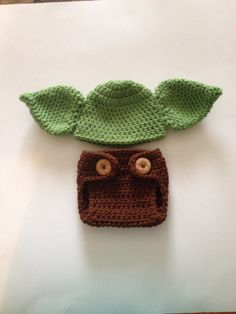 This is a cute Yoda set it will make a great photo prop or a nice Halloween costume . It is made with soft yarn so it will not itch or