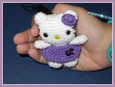 MADRES HIPERACTIVAS: Little Hello Kitty Amigurumi, English Pattern