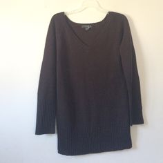 Brown Acrylic V Neck Sweater (Size L) Super warm and thick! Size Large. 30in length. V neck. 100% Acrylic. Deep Chocolate Brown Sweaters