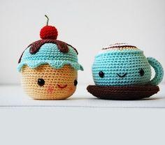 Mr. Coffee and Miss Cupcake amigurumi crochet pattern by Pepika  http://www.amigurumipatterns.net/shop/Pepika/Mr-Coffee-and-Miss-Cupcake/#