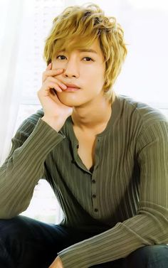 Stunning high definition wallpapers. This is the best and free collection of pictures of your favorite celebrity, Kim Hyun Joong. Find the wonderful background images, enjoy watching high resolution photos and share them with friends. Kim Hyun Joong wallpaper is a package of impressive HD images for your tablet and phone.<p>Main features:<br>1) Select the best pictures are definitely high quality collection.<br>2) Supports saving and setting as wallpaper directly.<br>3) Scroll image by…