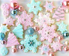 biscotti dolci color pastello per natale
