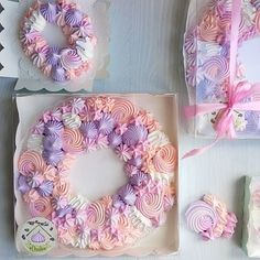 Meringue Pavlova, Meringue Desserts, Meringue Cookies, Gourmet Desserts, Yummy Cookies, Cake Cookies, Cupcakes, Cake Icing, Eat Cake