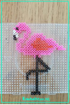 Flamingo strijkkralen. KnutsleMam.NL Pearler Bead Patterns, Perler Patterns, Pearler Beads, Flamingo Craft, Flamingo Party, Bead Crafts, Diy And Crafts, Unicorn And Glitter, Iron Beads