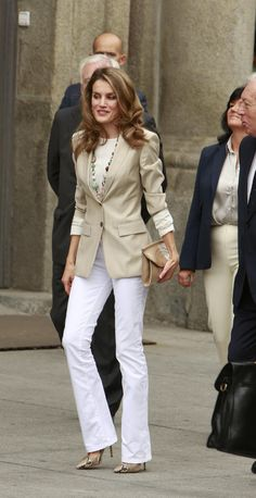 Neutral perfection! | 30 reasons why Queen Letizia of Spain should be your new style icon http://aol.it/1uLAlYk