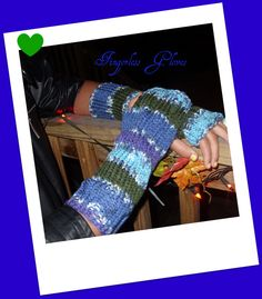 2 pairs of fingerless gloves(Hand knitted)
