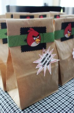 Lots of DIY Angry Birds party ideas!