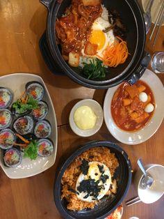 Food N, Food And Drink, Yummy Drinks, Yummy Food, Food Goals, Aesthetic Food, Food Cravings, Korean Food, Food Design