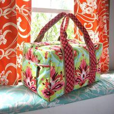 Making this weekender duffel bag. It's Simplicity pattern Mens Weekend Bag, Weekend Bags, Handmade Purses, Duffel Bag, Weekender, Simplicity Patterns, Tote Purse, Kate Spade Bag, Bag Making
