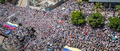 Así #VenezuelaUnidaPorElCambio respondió al llamado de @leopoldolopez y @Daniel_Ceballos  http://www.voluntadpopular.com/index.php/ver-noticia/component/content/article/8-noticias/2795-venezuela-unida-colmo-la-calle-para-exigir-fecha-inmediata-de-elecciones-parlamentarias-y-libertad-de-presos-politicos#.VWod3z1U_io.twitter…