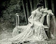Vicomtesse de Fontenay, 1909.