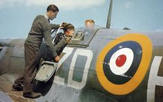 https://flic.kr/p/9jwBwc | Spitfire Mk. Vb. | Readying a 222 Sqn. machine for its next sortie at North Weald.