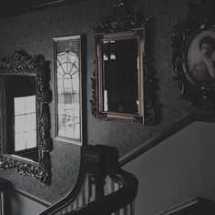 Victorian mirrors gothic, vintage love the frames Gothic Aesthetic, Slytherin Aesthetic, Aesthetic Black, Wallpaper Harry Potter, Kunstjournal Inspiration, Bedroom Inspiration, Writing Inspiration, Arte Obscura, Southern Gothic