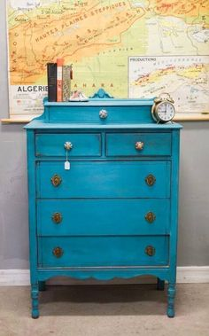 A gorgeous color created by Los Angeles Stockist, Krissy of Boho Upcycle. She used a brilliant mix of Greek Blue, Florence, and Napoleonic Blue Chalk Paint®️️️️ decorative paint by Annie Sloan for this stunning, jewel-tone color on a 1920's vintage dresser!