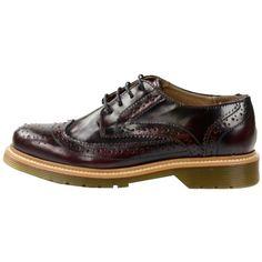 Trendy Schuhe in Rot von Sacha. Schuh mit besonders bequemer Gelsohle und Brogue-Verarbeitung im Leder. - 89,99 €