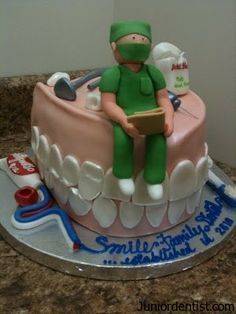 The Dentist Cake - Brush Your gums - Children's Dental Specialist | #Carson | #CA | www.childrensdentistsouthbay.com