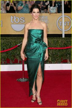 Sandra Bullock SAG awards 2014 red carpet in Lanvin dress, Jimmy Choo shoes, Roger Vivier clutch, and Fred Leighton jewelry.