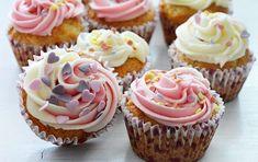 Cupcakes cu crema de unt si vanilie - Carte de Rețete Jacque Pepin, Unt, Mini Cupcakes, Macarons, Muffins, Dessert Recipes, Food And Drink, Yummy Food, Sweets