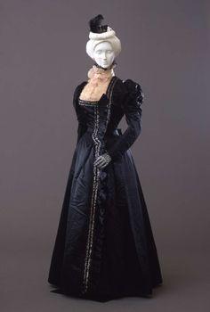Day dress ca. 1897-99 From the Galleria del Costume di Palazzo Pitti via Europeana Fashion