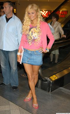 Whether youre getting nostalgic or cringing at the thought see the proof that denim miniskirts are gunning for a comeback. 2000s Trends, 2000s Fashion Trends, Early 2000s Fashion, 90s Fashion, Fashion Outfits, Clubbing Fashion, Hollywood Fashion, Fashion Ideas, Paris Hilton Style