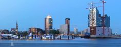 Hamburg Skyline | #hamburg #opera #crane #seaside #skyline #hamburgo #hh #harbour mit freundlicher Genehmigung von www.fotowelt-hamburg.de gepinned von der Hamburger Werbeagentur BlickeDeeler >>> www.BlickeDeeler.de