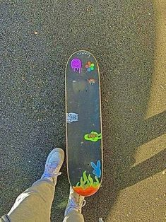 Aesthetic Grunge, Aesthetic Vintage, Aesthetic Photo, Aesthetic Pictures, Badass Aesthetic, Skateboard Deck Art, Skateboard Design, Indie Girl, Poses Photo