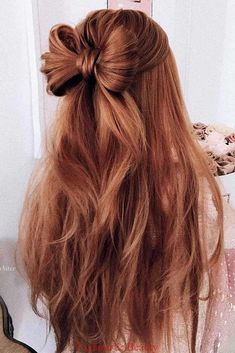 Surprise Your Loved One with 15 Lovely Half Up Half Down Hairstyles - Have been wanting to get a new hairstyle makeover? Find out the best of half up half down hairstyles to look effortlessly chic here. Prom Hairstyles For Long Hair, Braided Hairstyles, Wedding Hairstyles, Long Haircuts, Hair Down Hairstyles, Back To School Hairstyles Easy, Easy Prom Hair, Teenage Hairstyles, Fashion Hairstyles
