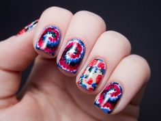 Chalkboard Nails: Sally Hansen x Rodarte Tie Dye and Floral Mix (+ Tutorial) McWilliam Hansen Estilo Hipster, Tie Dye Nails, Chalkboard Nails, Nailart, Heart Nail Art, Nail Art Blog, 4th Of July Nails, Floral Nail Art, Flower Nails