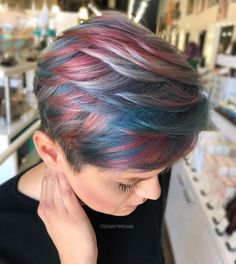 Browse this link to see the best styles of short pixie haircuts and hair colors. Copy the best ideas of hair colors also to make your pixie haircuts more elegant and cute. You can see here that short pixie haircuts is still hottest trends among ladies. Pixie Hair Color, Human Hair Color, Blonde Pixie, Short Pixie Haircuts, Short Hair Cuts, Short Hair Styles, Short Bob Hairstyles, Cool Hairstyles, Hair Color Images