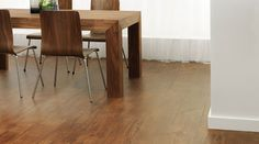 Wood-Flooring-Dining-Room-saddle-oak-SC5W3013