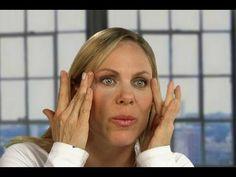 Cómo minimizar las arrugas alrededor de los ojos haciendo Yoga Facial
