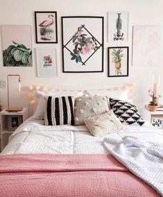 decoreinteriores Quarto mais fofo da blogueira Giovanna Ferrarezi ✌ rose, preto, branco e verdinho, a paleta de cores mais perfeita rs gostaram?
