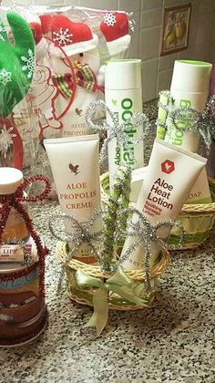 #saluteebenesseresottolalbero www.valentinaromelli.succoaloevera.it Aloe Heat Lotion, Aloe Vera Skin Care, Forever Life, Forever Business, Forever Living Products, Gift Hampers, Beauty Room, Holidays And Events, Pillar Candles