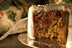 Christmas Cake Presents For Friends, Meatloaf, Wines, Banana Bread, Cake, Desserts, Christmas, Food, Gifts For Friends