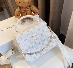 Louis Vuitton Nails, Louis Vuitton Handbags, Louis Vuitton Monogram, Vuitton Bag, Luxury Purses, Luxury Bags, Fashion Handbags, Fashion Bags, My Bags