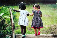 """FACE / Sobre Sentimentos com Vera Moraes. 29 de dezembro de 2014 às 13:03 ·  """"Entende! As diferenças não ferem, elas completam.""""  (Rachel Carvalho) ****** of life's greatest treasures = BEST FRIENDS. Happy #BestFriendDay!"""