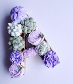 Floral Monogram Cupcakes - Cake by Sophia Mya Cupcakes (Nanvah Nina Michael)