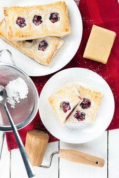 Blätterteig-Taschen mit Kirsch-Marzipan-Füllung   Kaffee & Cupcakes
