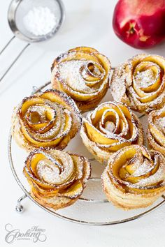 Puff pastry and a nectarine have never looked so good! Apple Rose Pastry, Apple Roses, Meringue Topping Recipe, Yummy Treats, Sweet Treats, Peach Cake, Puff Pastry Sheets, Food Is Fuel, Afternoon Tea