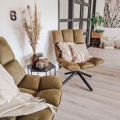 Interior Inspiration, Recliner, Lounge, Doors, Furniture, Home Decor, Glass House, Lounge Chairs, Chair