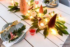 6 idées de dernière minute pour décorer votre table de Noël - Interior Crisp blog Vase Haut, Xmas, Table Decorations, Blog, Home Decor, Menu Boards, Last Minute, Christmas Tabletop, Christmas Parties