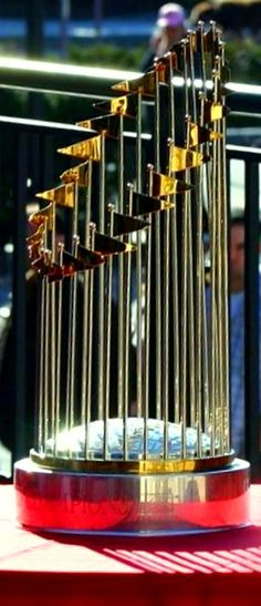 BOSTON RED SOX 2004 WORLD CHAMPIONS TROPHY                              …