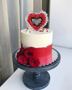 New birthday cake decorating tutorials royal icing ideas New Birthday Cake, Beautiful Birthday Cakes, Birthday Cake With Candles, Beautiful Cakes, Isomalt, Valentines Day Cakes, Birthday Cake Decorating, Chocolate Decorations, Cake Decorating Tutorials
